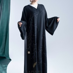 AK3007 A hand work abaya with light wavy lines, giving it a elegant look on the sides and sleeves, with a French crepe sleeve
