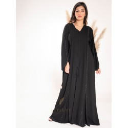 AK3026 An abaya with attractive details in a royal black crepe fabric with a wave pattern on the front and back and the sleeves with a small curve opening